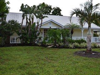 $100/NT - Key West Style ~ Dog Friendly ~ Free WIFI...5 mins to Siesta Beach