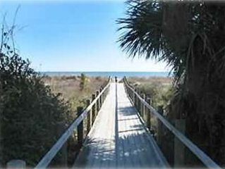 2BR/2.5BA Pet Friendly W/Internet -Quiet Retreat, alquiler de vacaciones en Daufuskie Island