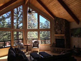 The Perfect Family & Friends Getaway Cabin on 3 Levels with 3 Decks!!!
