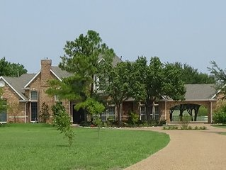 Large Home (4100+ sq ft) Set On 25 Acres In Rockwall County (sleeps 11)