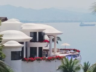 Castillo La Princesa-Spectacular Oceanfront Estate/Gated La Punta/Stunning Views