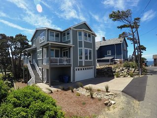 NEW Luxury Home ~Beach Access, Arcade, Game Tables, Hot Tub~ SEE OUR SPECIALS!!