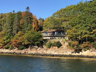 Starlight Deck House: Harborfront Home