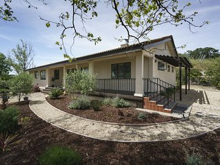 Copia Vineyards Guest House Oasis | Sleeps 6, Jacuzzi, BBQ, Close to Downtown