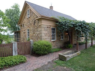 Peaceful, serene get-a-way cottage built in 1834