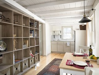 Downtown Cottage Studio in an incredible location with on-site parking!