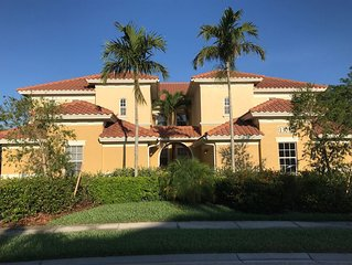 Spacious Coach Home in Plantation with Golf Course View.