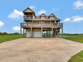 Family friendly vacation home steps away from Crystal Beach