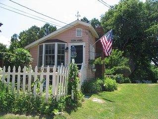 Charming Studio Cottage On Quiet Lane