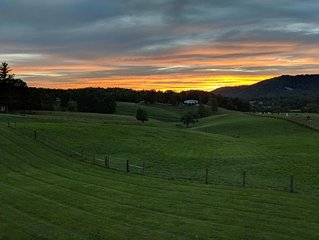 Rose View Farm - Open Pastoral & Mountain Views minutes from Asheville