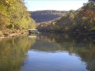 LITTLE RED RIVER RETREAT; PRIVATE BOAT DOCK on 2.5 ACRES-Wildflower/Heber Spring