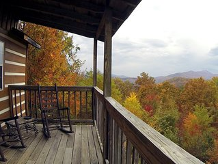 Mtn. Views & cozy! No clean fees!
