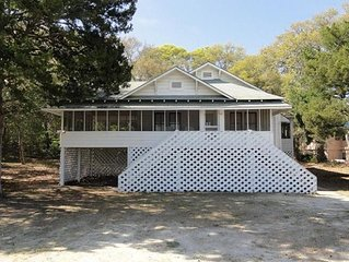 Nostalgic Cottage-Best Porch View in O.D.! Steps to Beach & Main Street