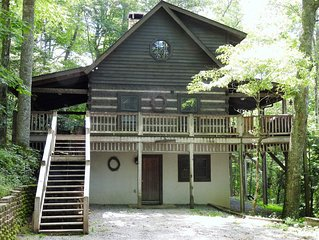 Maroon Bells 3 Bedroom 3 Bath Log Cabin in Valle Crucis NC