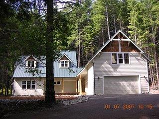 Cozy, Luxurious Mountain Home Near Mt. Rainier, Ski Resort
