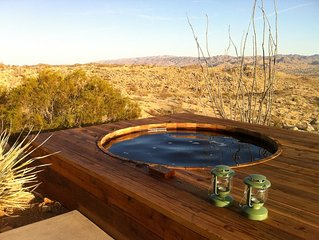 Joshua Tree Green House With Outdoor Hot Tub