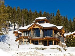 Sun Peaks Moosehead Lodge Absolute Ski in Ski Out Luxury sleeps 14