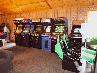 Free Arcade Room- Great views-1/2 Mi Ski Slopes, 3 Mi. Dwntwn