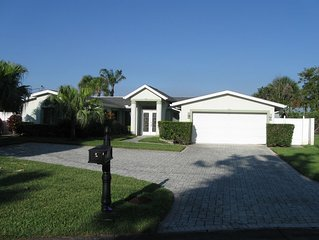 Cocoa Beach Waterfront Home - 4 Bedr. 3 Baths.  Close to Beach