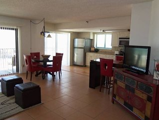 Large Sharp Deluxe Oceanfront Condo -  SPECIALS AVAILABLE... BOOK NOW!!