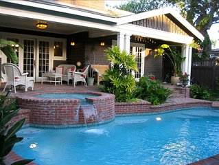 Classic Spacious Summer Home W/Pool Close to Beach