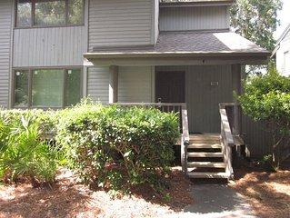 4 Bedroom Deluxe Fairway Oaks Villa - Full Resort Privileges!