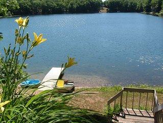 Charming home on Bryan lake (a no wake lake) w grass/sand beach and fishing