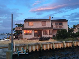 Water Front! Monterey Beach on Bay Spectacular Sunsets 6 Bdrm