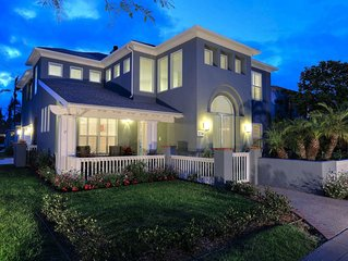 Fantastic Vacation Home Located In The Heart Of Coronado!