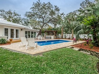 Immaculate pool home in Florida Paradise close to beaches