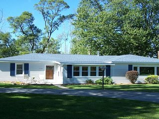 Super cute cottage with Up North feel and Beach Access just outside Lexington