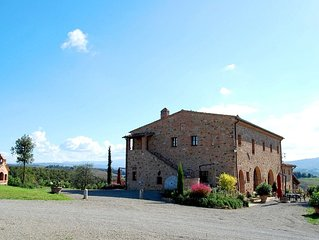FARMH.PODERE CUNINA 25 KM SOUTH  SIENA IN FRONT  MONTALCINO TAKING COOKING CLAS