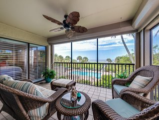 Beachfront Condo  Just completely redecorated in bright Floridian Style.