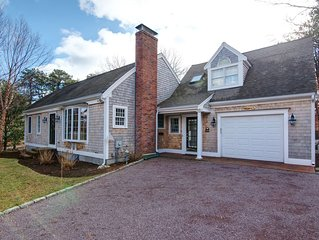 Stunning Falmouth Cape House close to Beaches, Golf, and Outdoor Recreation