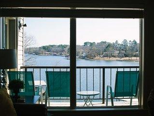 Beautiful 2 Bedroom, 2 Bath, Condo on Lake Hamilton with Covered Boat Dock!