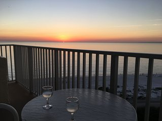 Stunning Gulf View And Sunsets From the Top Floor (12th floor)