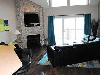 Starting at $150/Night !!  4 Bedroom / 3 Bath  Sleeps 10  Lakefront