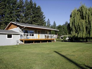 Steps from Shuswap Lake 'Blind Bay Vacation Rental'