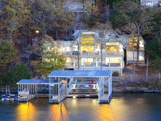 Waterfront home with oversized dock, stay at Grammy & Papa's Lakeside Dugout!