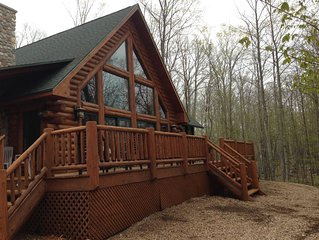 The Log Home at Fish Creek-In the Heart of Door County