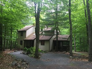 Your Perfect Vacation Awaits-5 Bedroom Mountain Retreat With Endless Amenities