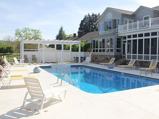 Heron's Landing - Lakefront Home, Swimming Pool, Hot Tub, Boathouse, 6 Bedroom