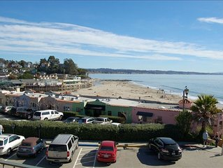 Fantastic Views, Beach Front Condo