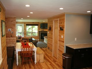 Completely Renovated Treetop Townhome Next To Village and Slopes.