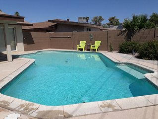 CHARMING AND COMFY VACATION RETREAT! With HEATED POOL!