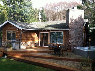 Whidbey Island Waterfront cabin! Best sunsets on the West side! $229 SPECIALS!!