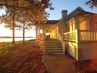 Reynolds Lake Oconee Designer Home - Amazing Lake Views and Golf Course Access!