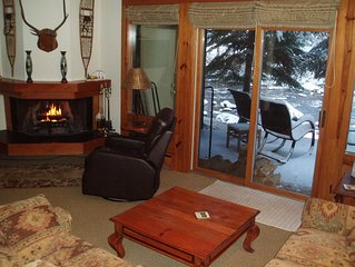 A Great Vail Value II: On Gore Creek, Gorgeous Views, Quiet, Free Bus, Wi-Fi