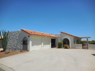 Panoramic Views Inside & Outside! Quiet Home Near Rec Ctr - Green Valley Villa