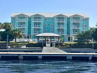 River's Edge - Largest Sq Ft Unit - Assigned Boat Slip - Waterfront -  WIFI